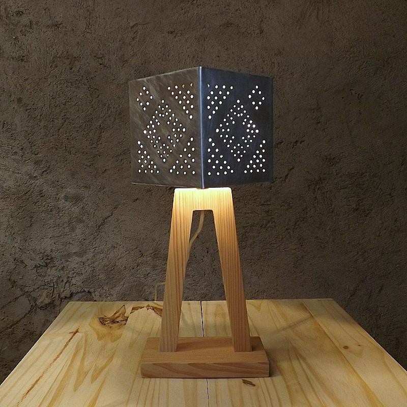 Lampe Totem 95€ (H44/L21)